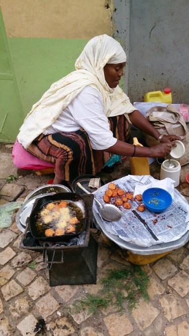 Fritangas etíopes (mmm...). Foto: eaTropía