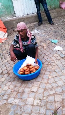 Vendedor de galletas, Harar. Foto: eaTropía