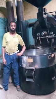 Tostadora de café en la fábrica Nure, Harar. Foto: eaTropía